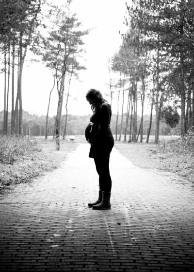 zwangerschapsshoot, zwangerschap, zwangerschapsfotografie, zwangerschapsfoto's, spontane fotografie, gelderland