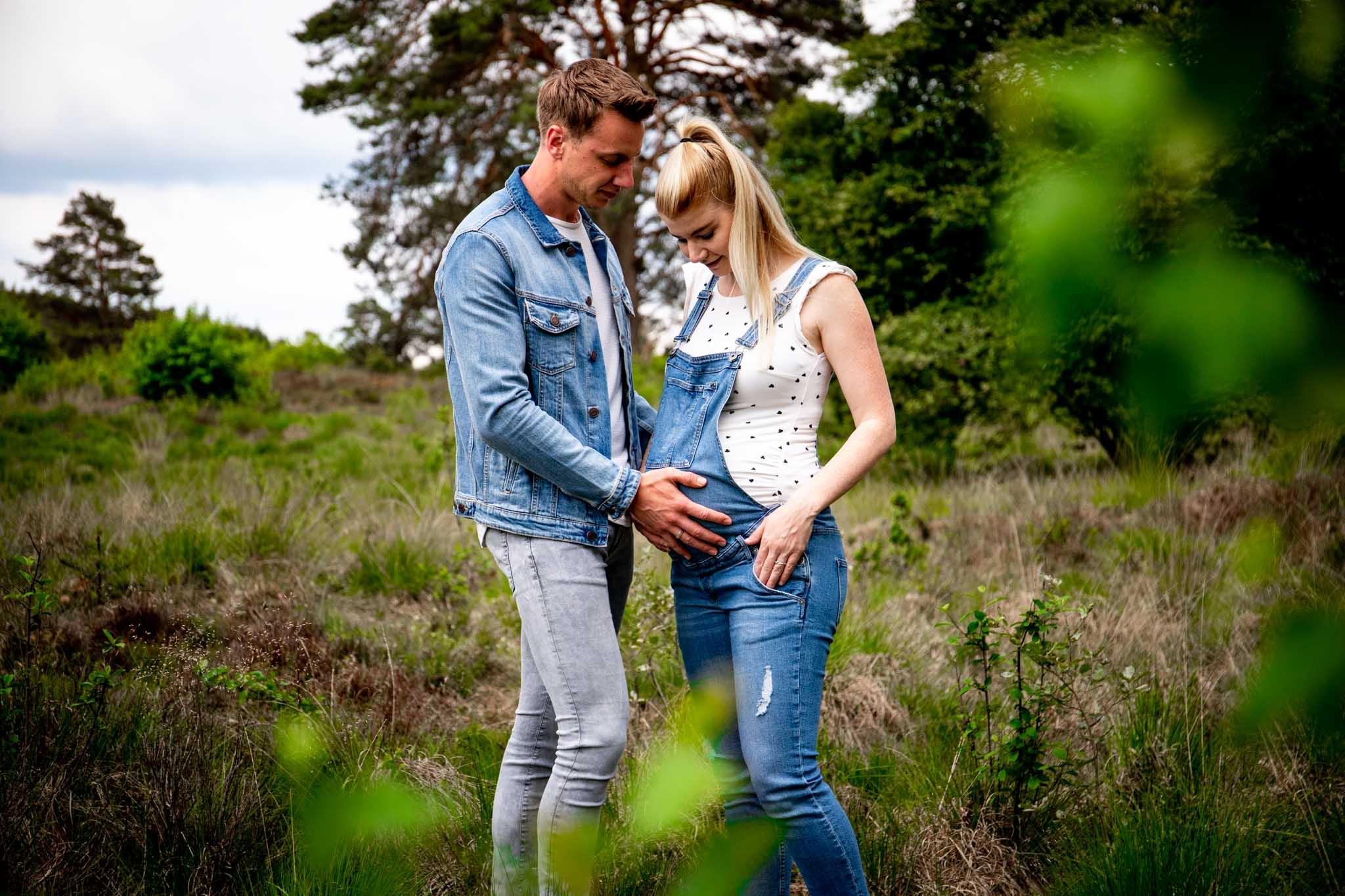 zwangerschapsshoot, zwangerschap, zwangerschapsfotografie, zwangerschapsfoto's, gelderland